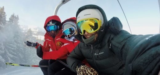 Friends going skiing