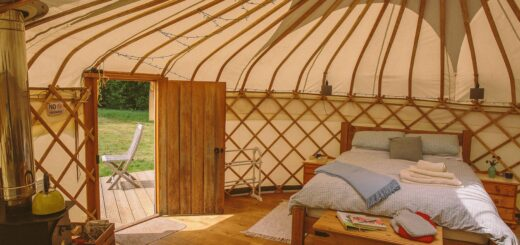 Round the Woods yurt